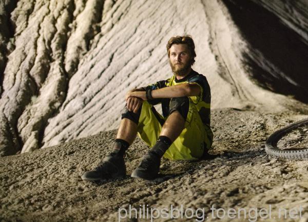 Philips DARKLIGHT: Graham Agassiz