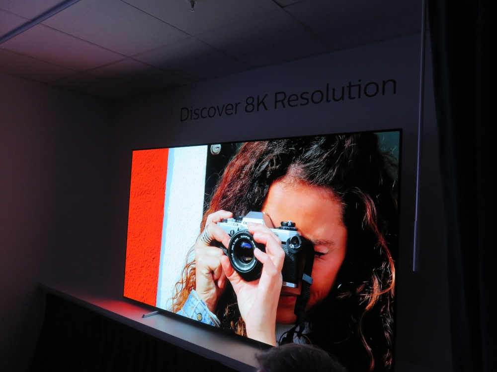 Philips 2020: Sneak Preview – 8K OLED Prototyp