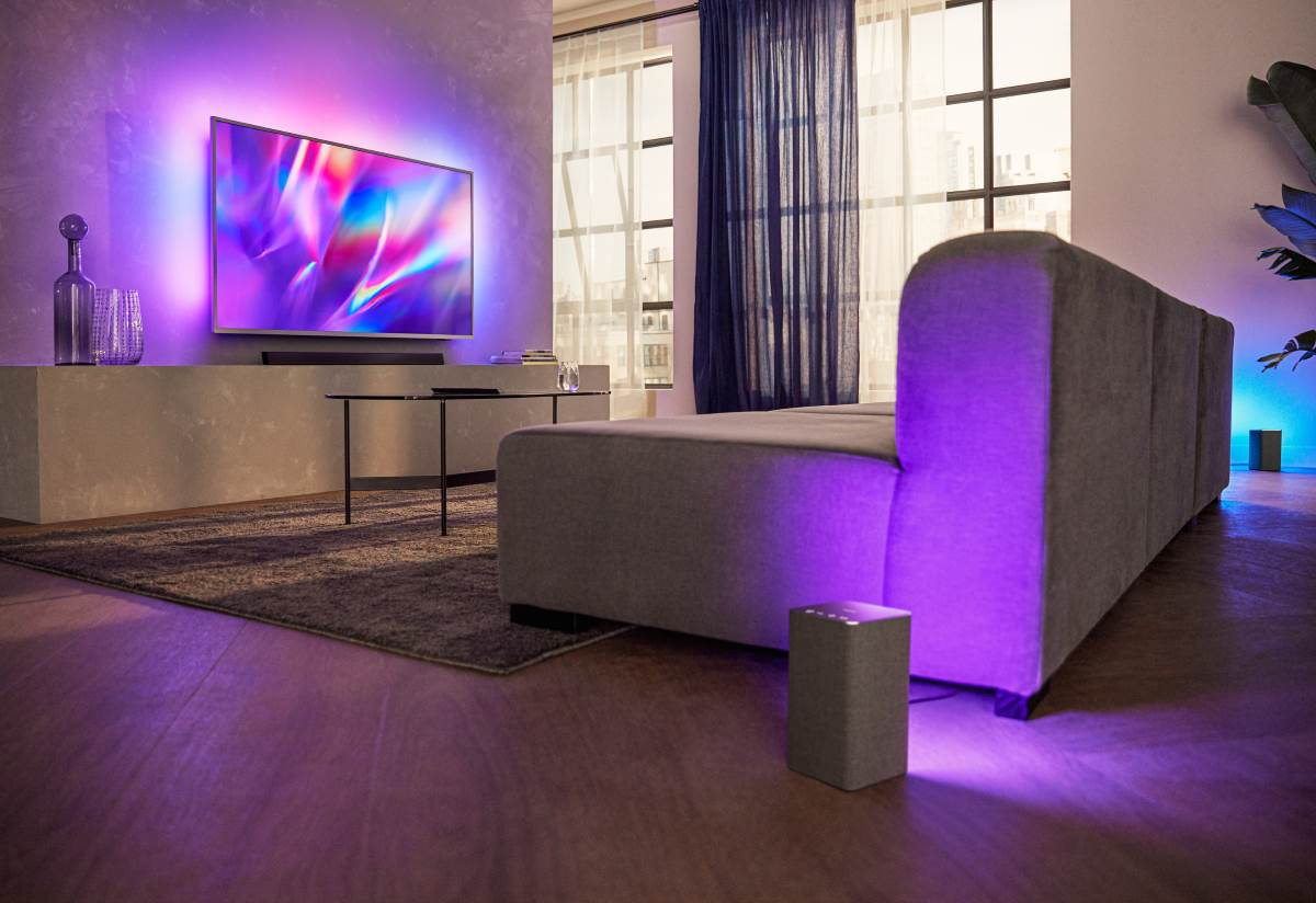 "Philips Audio 2020: Wireless Speaker TAW6205/10 ""Works with Ambilight"""
